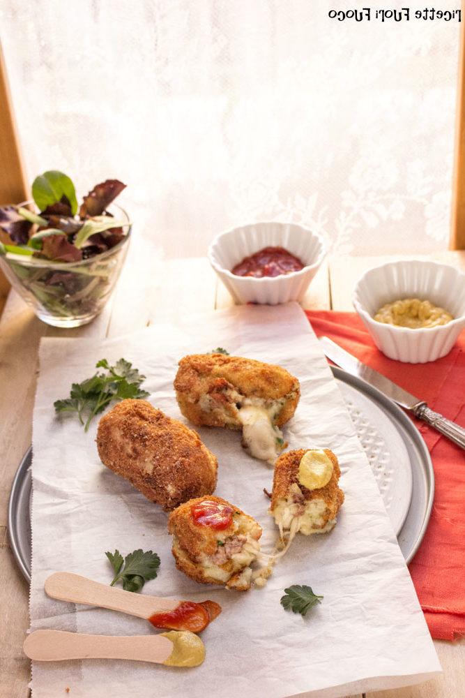 Crocchette con patate salsiccia e formaggio (1)