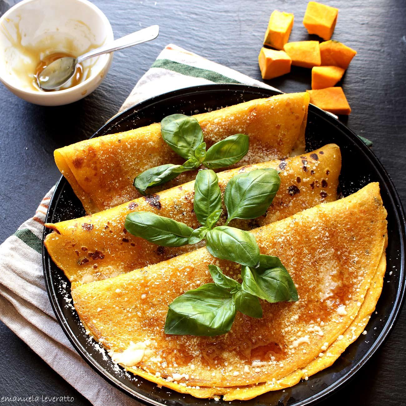 pancakes salati alla zucca con formaggio e miele