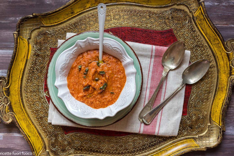 Mercimek çorbasi Crema di lenticchie e bulgur